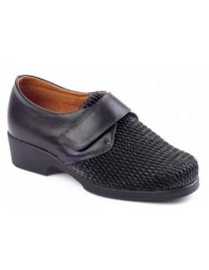 Zapato de señora con la pala muy elástica