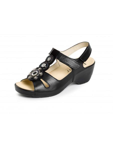 Sandalia con tacón negra de Daimar 5089
