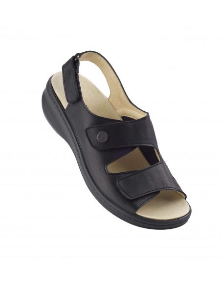 Sandalia con velcro especial juanetes en negro de Daimar