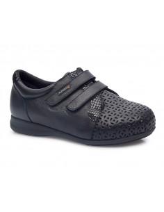 Zapato con grabado para...