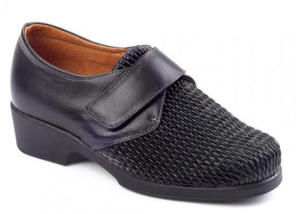 Zapato de señora con la pala muy elástica Daimar