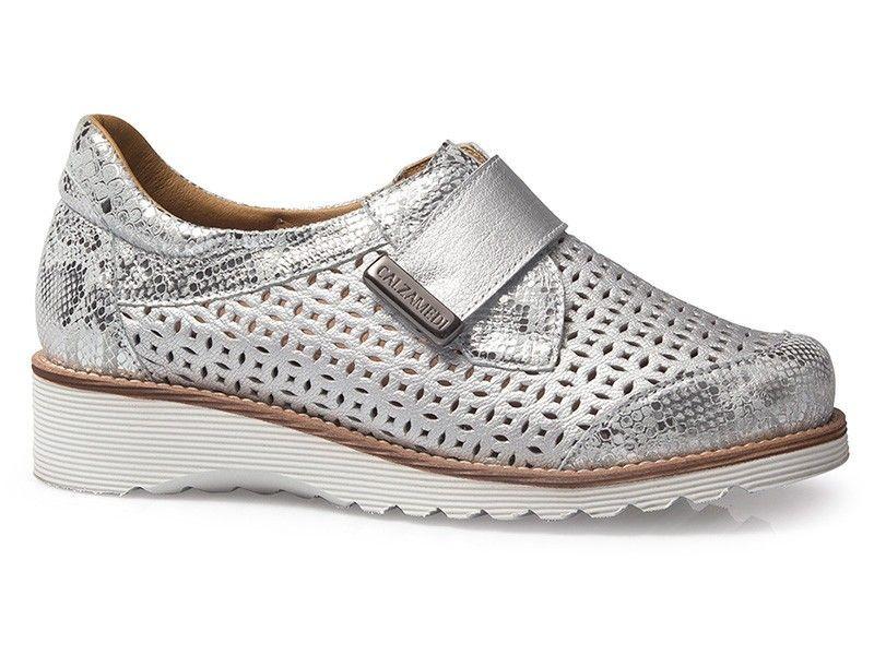 Zapato para señora de verano con plantilla extraíble y cuña de Calzamedi